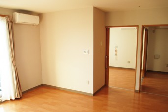 2LDKタイプ居室風景